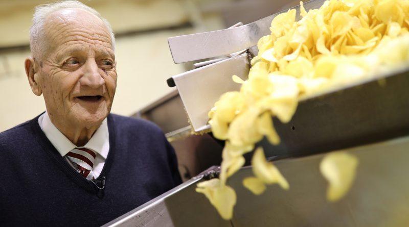 César Bonilla, de 87 años, es el fundador de 'Bonilla a la Vista'