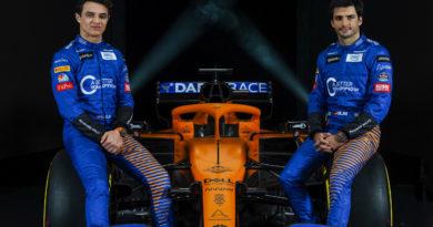 1 McLaren MCL35 Launch 2020