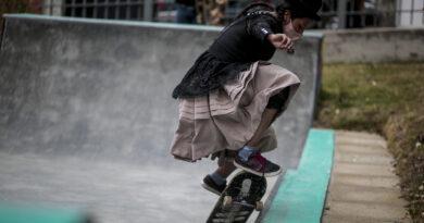 Imilla Skate promueve el monopatinaje entre las jóvenes bolivianas